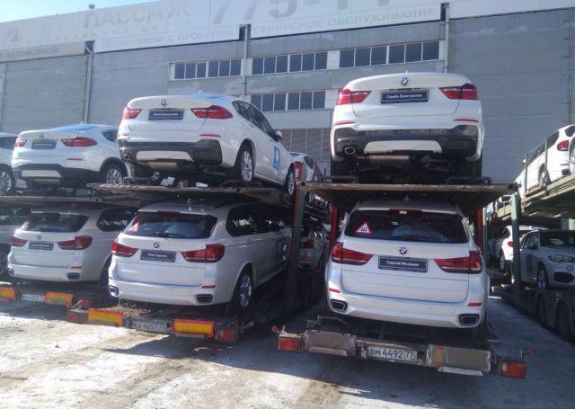 140 BMW на Красной площади ожидают российских медалистов Олимпиады (5)