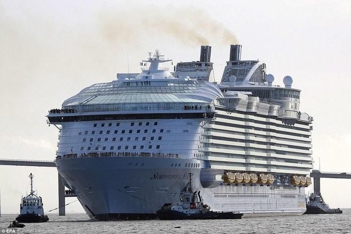 Самый большой круизный лайнер стоимостью один миллиард евро (17)
