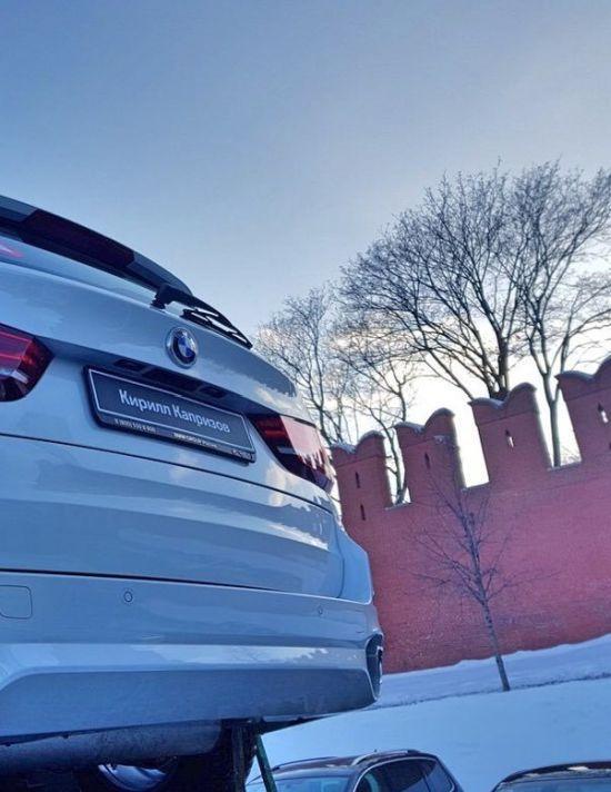 140 BMW на Красной площади ожидают российских медалистов Олимпиады (2)
