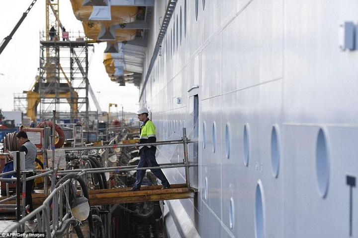 Самый большой круизный лайнер стоимостью один миллиард евро (8)