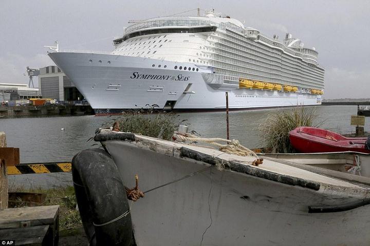 Самый большой круизный лайнер стоимостью один миллиард евро (9)
