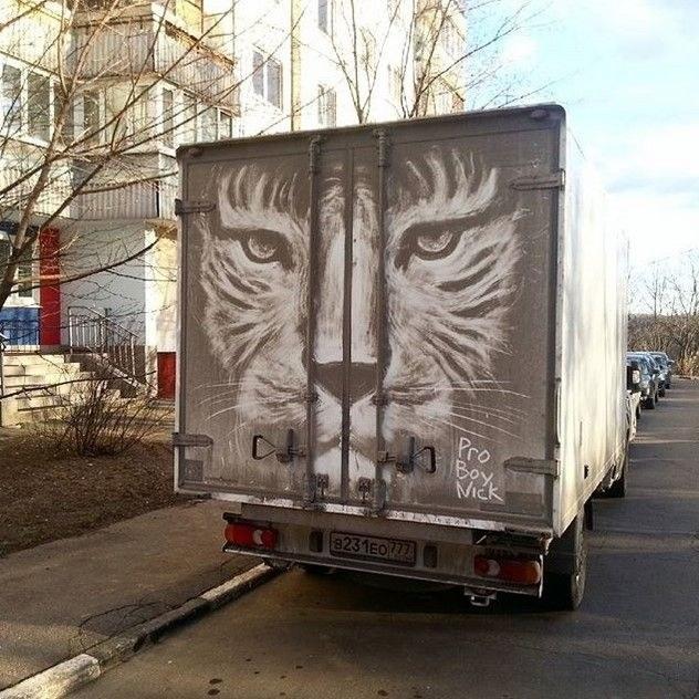 Крутые рисунки на грязных грузовиках (2)