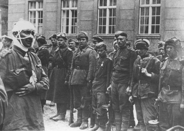 Уникальные снимки Второй Мировой Войны (15)