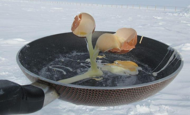 Вот что происходит с едой при -60°C (1)