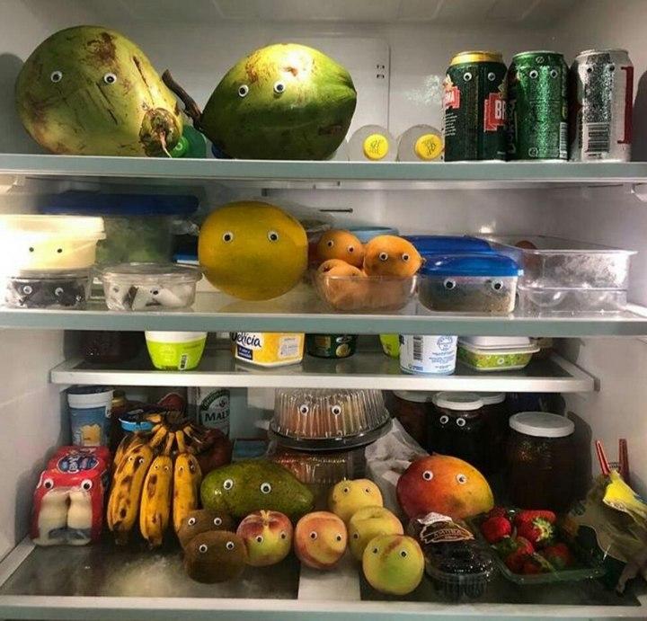 Когда перед сном решил заглянуть в холодильник