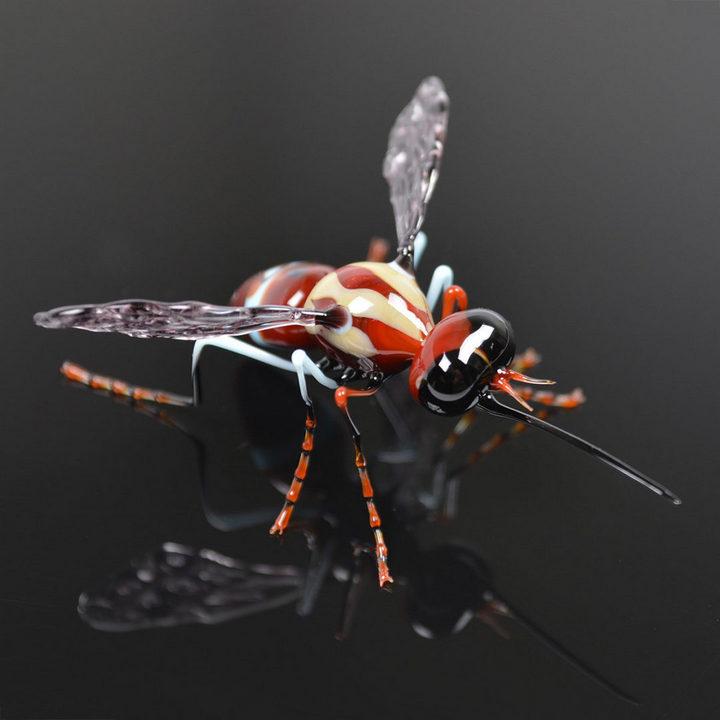 Миниатюрные стеклянные фигурки насекомых Уэстли Флемминга (8)