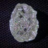 АЛРОСА добыла крупнейший за последние годы алмаз (3 фото)