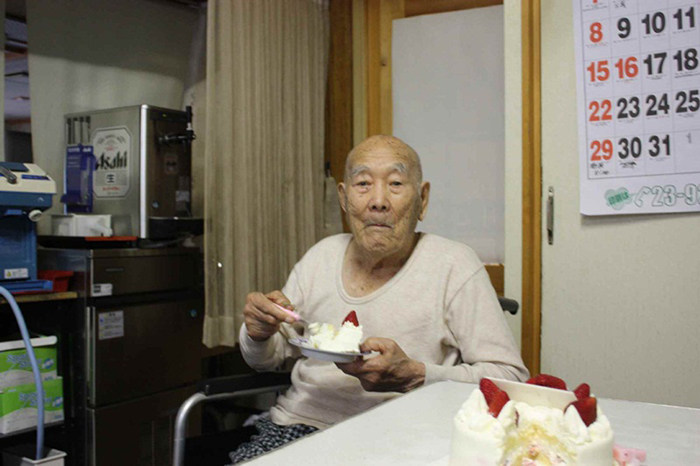 Секреты долголетия самого старого человека на Земле (6)