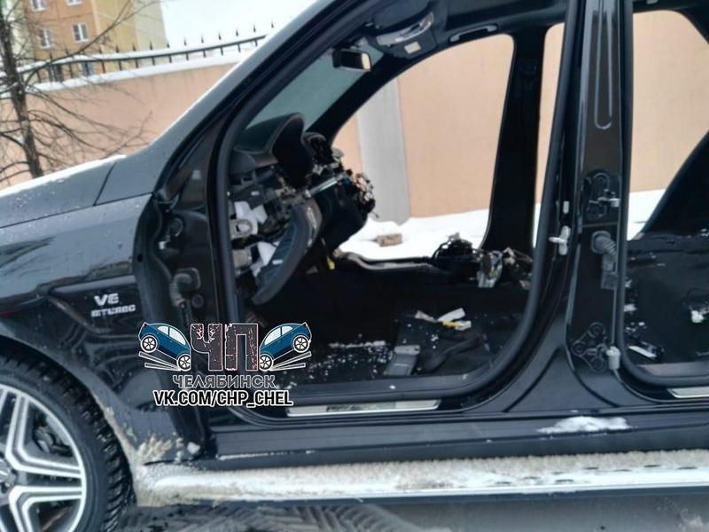 В Челябинске грабители за несколько часов разобрали Mercedes (1)