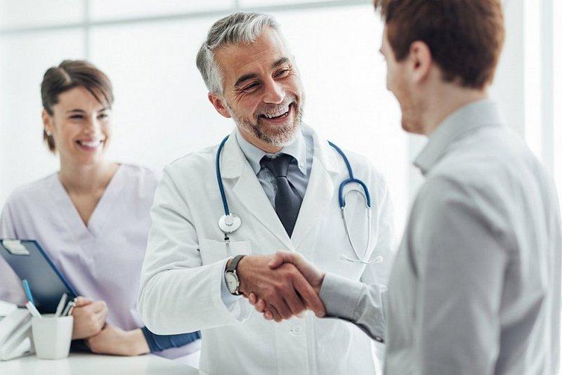 Посещение гастроэнтеролога: с какими жалобами обращаться? (1)