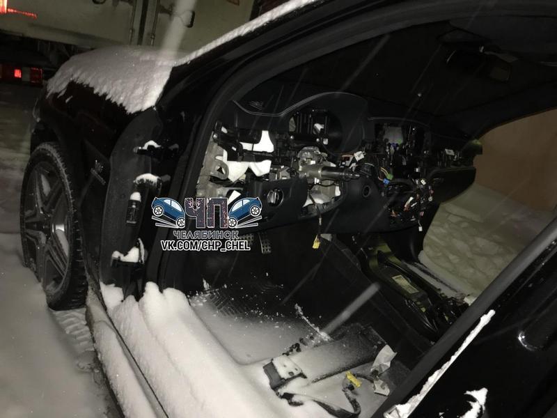 В Челябинске грабители за несколько часов разобрали Mercedes (2)