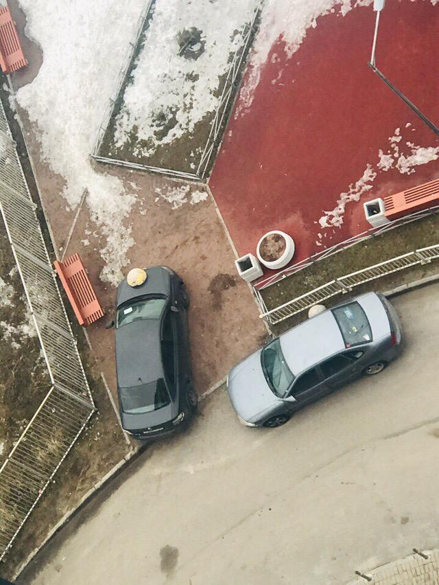 В наказание за парковку на тротуаре (2)