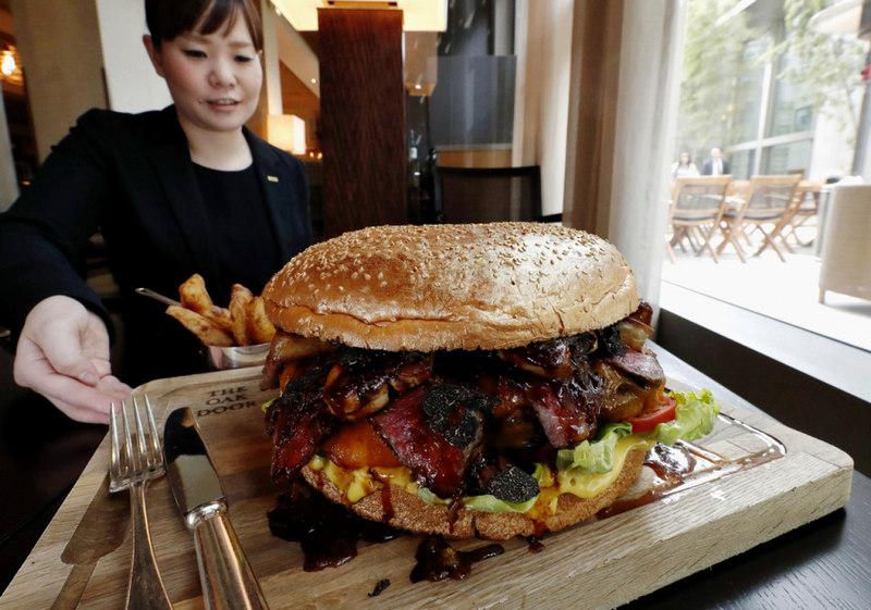 Японский бургер за 900 долларов