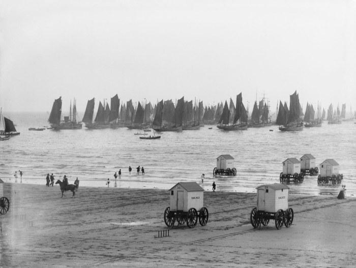 Как купались на пляжах скромницы XIX века (2)