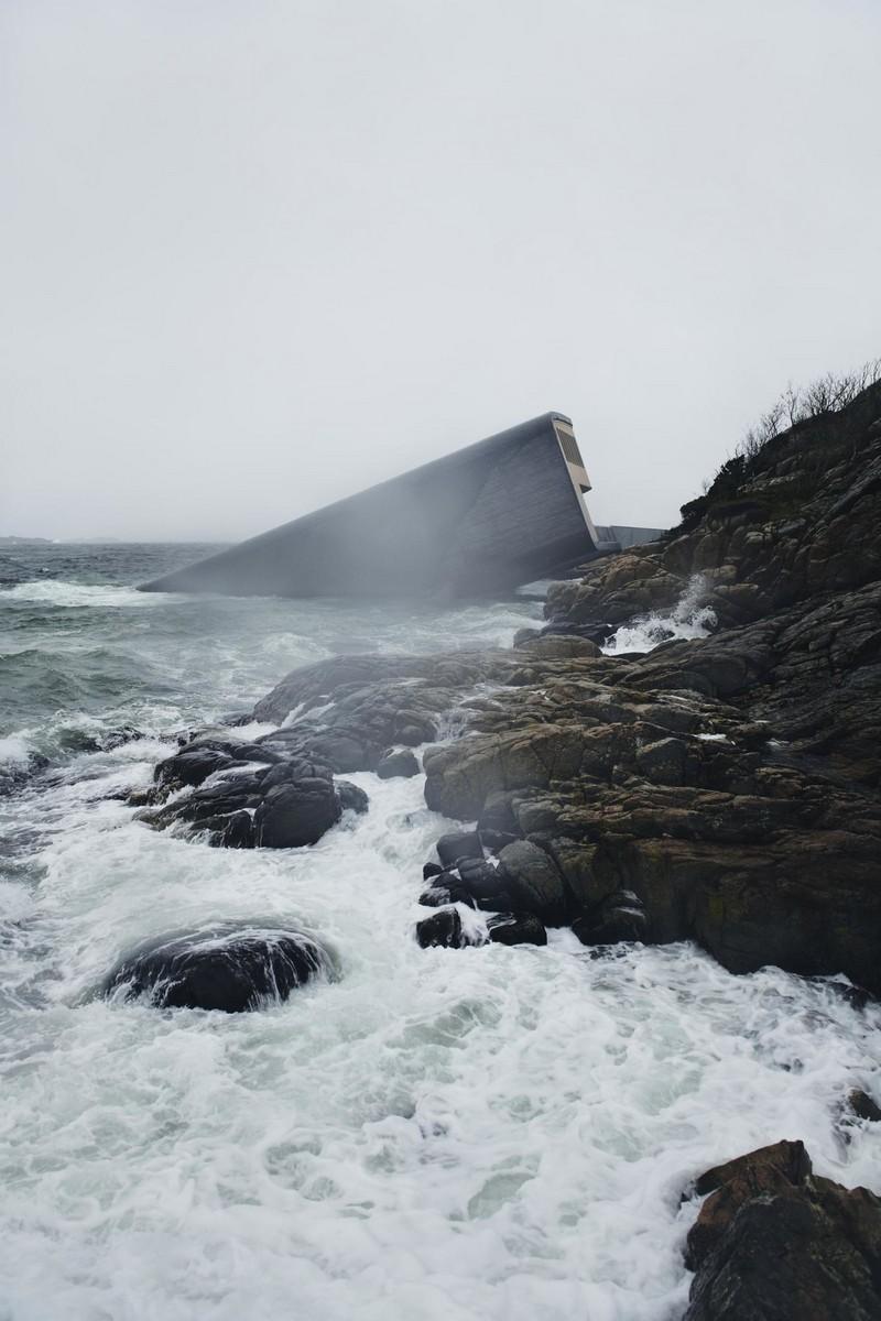 Необычный ресторан на дне моря в Норвегии (3)