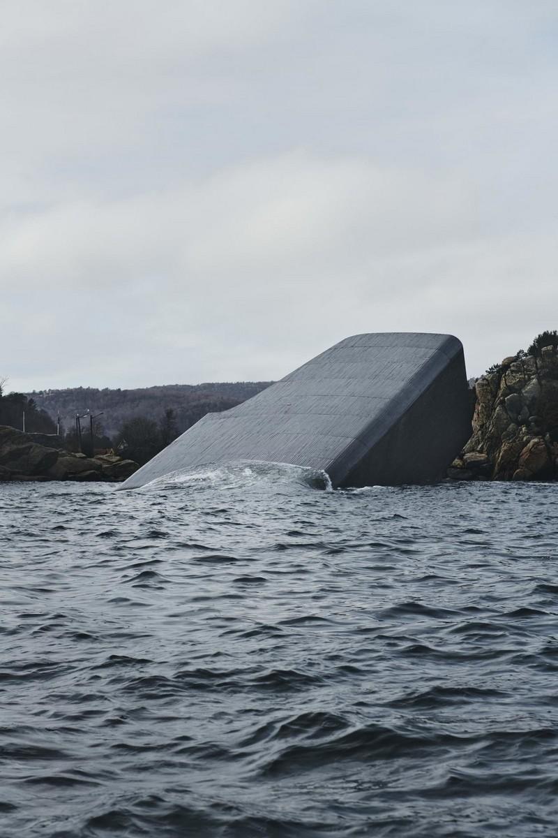 Необычный ресторан на дне моря в Норвегии (4)