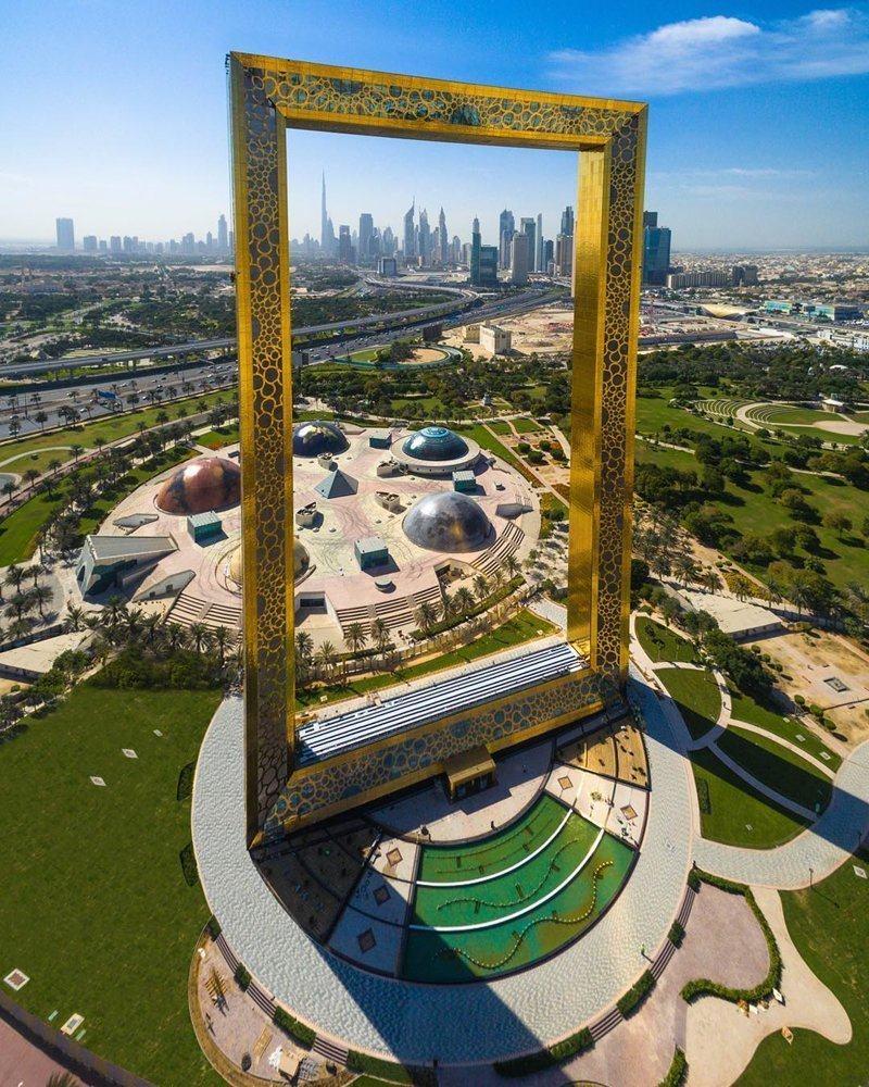 Гигантская Рамка Дубая (5)
