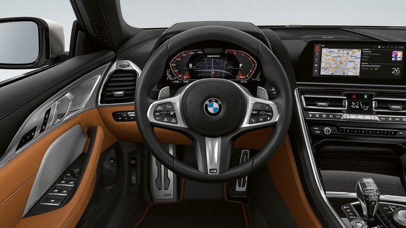 Солидный и элегантный кроссовер BMW X3: особенности экстерьера и интерьера (3)
