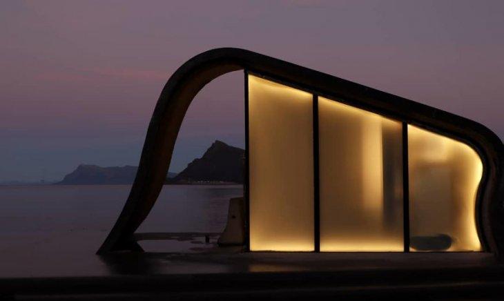 Самый необычный общественный туалет в Норвегии (4)