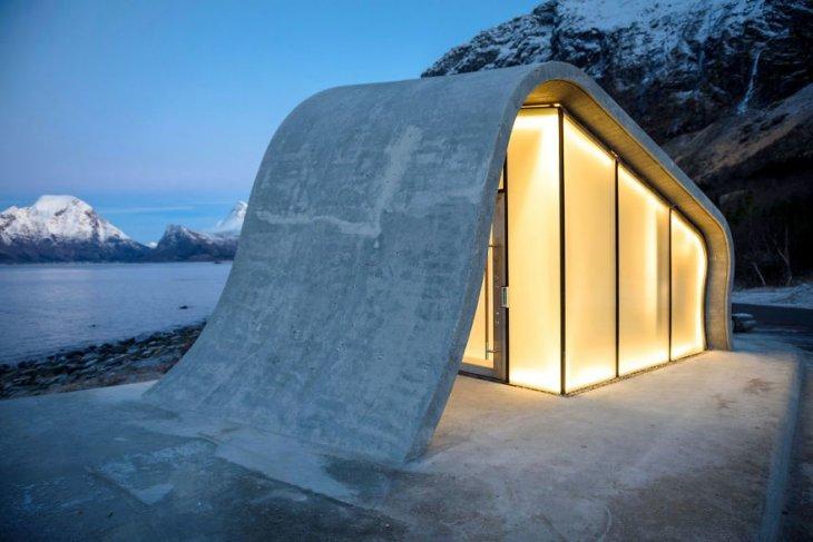 Самый необычный общественный туалет в Норвегии (6)
