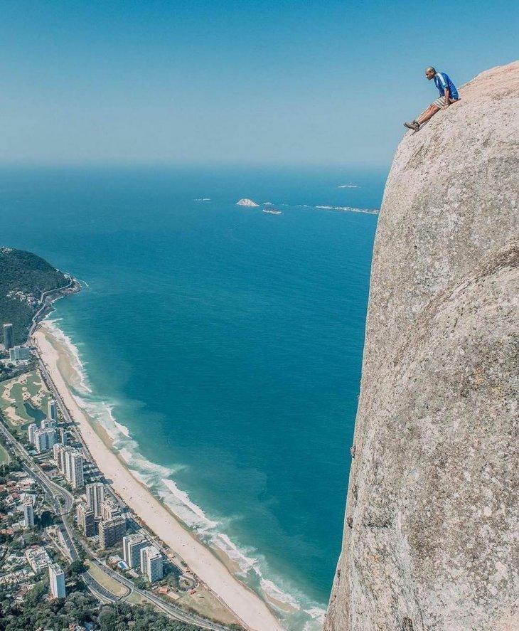 Скала Педра-да-Гавеа в Рио-де-Жанейро