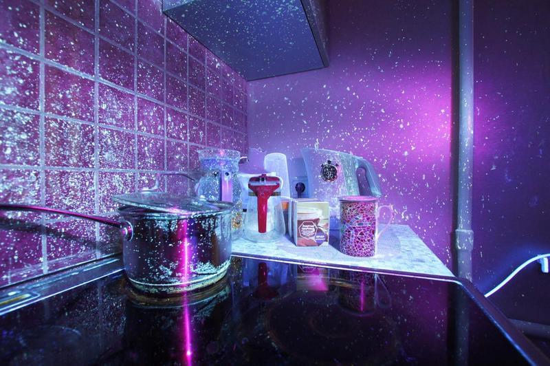 Как выглядит моя (да и ваша тоже) кухня в ультрафиолете (1)