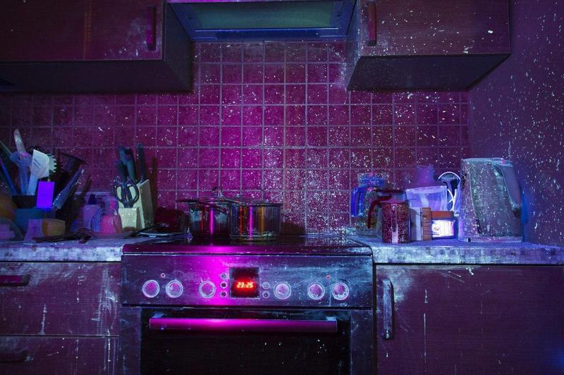 Как выглядит моя (да и ваша тоже) кухня в ультрафиолете (4)