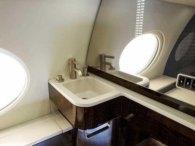Пять самых роскошных интерьеров частных самолетов (8)