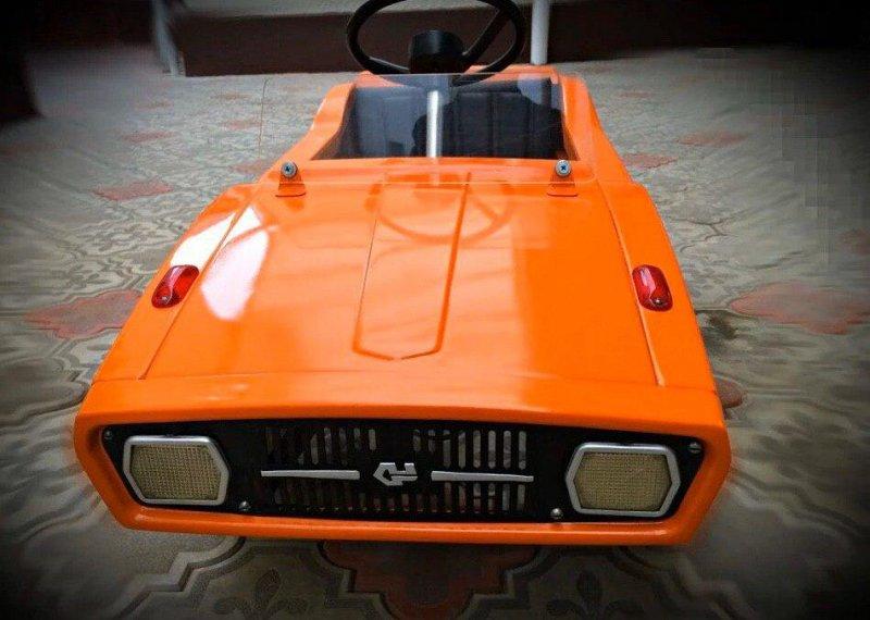 Реставрация детской педальной машины родом из СССР (9)