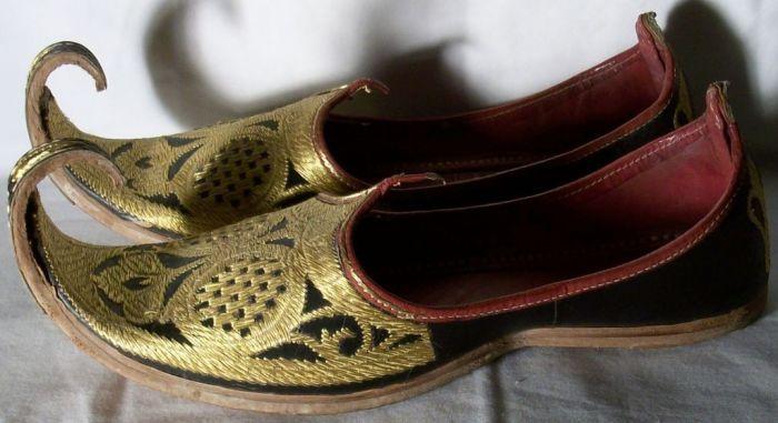 Зачем на Востоке носили обувь с загнутыми носами (1)