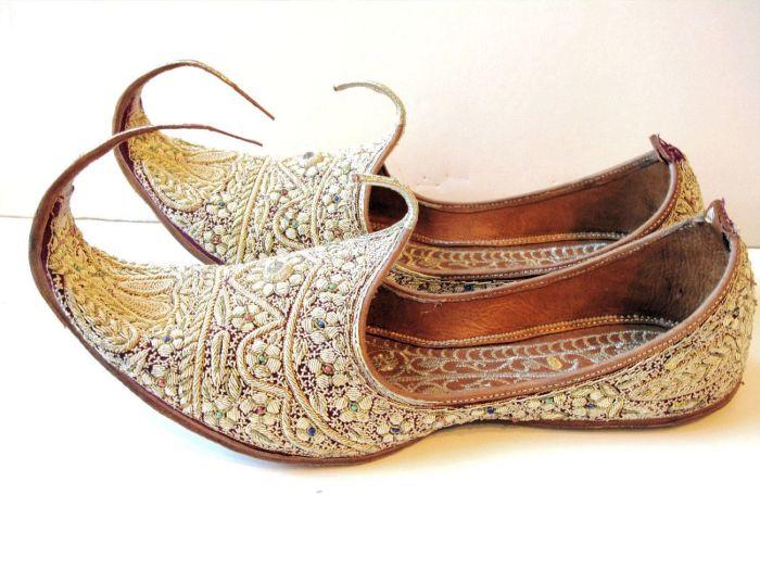 Зачем на Востоке носили обувь с загнутыми носами (3)