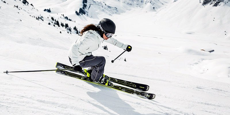 Какие лыжи стоит приобрести начинающему любителю горных лыж? (3)