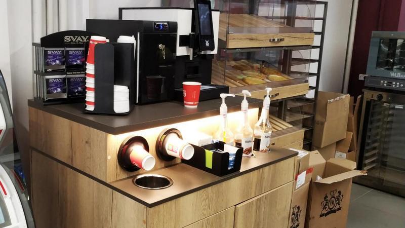 Зачем в магазинах ставят кофемашины (2)