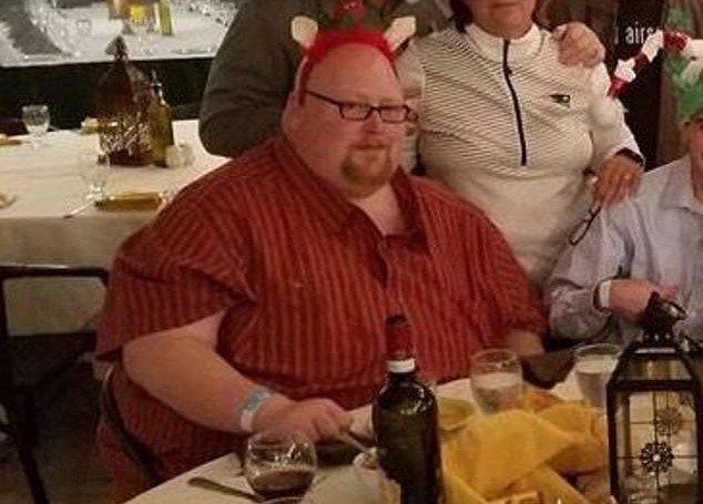 Мужчина перестал есть по 20000 калорий в день. И вот как он теперь выглядит (9)