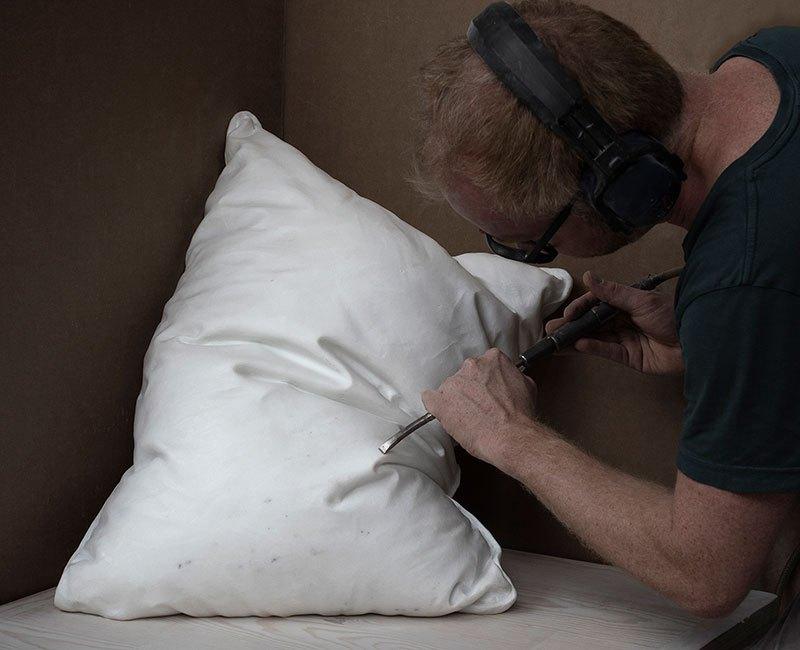 Мраморные подушки от Хакона Фагераса (1)