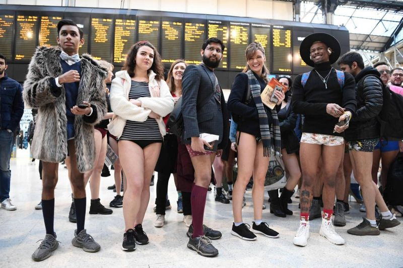 В метро без штанов 2020 (16)