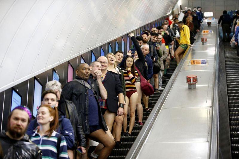 В метро без штанов 2020 (2)