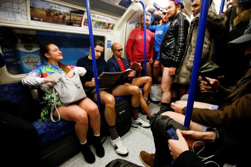 В метро без штанов 2020 (3)