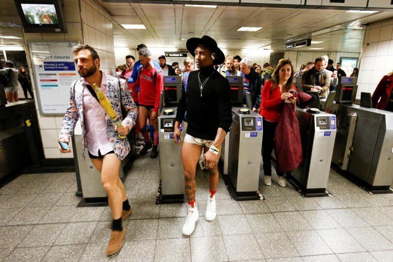 В метро без штанов 2020 (4)