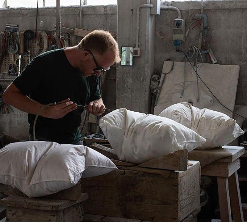 Мраморные подушки от Хакона Фагераса (4)