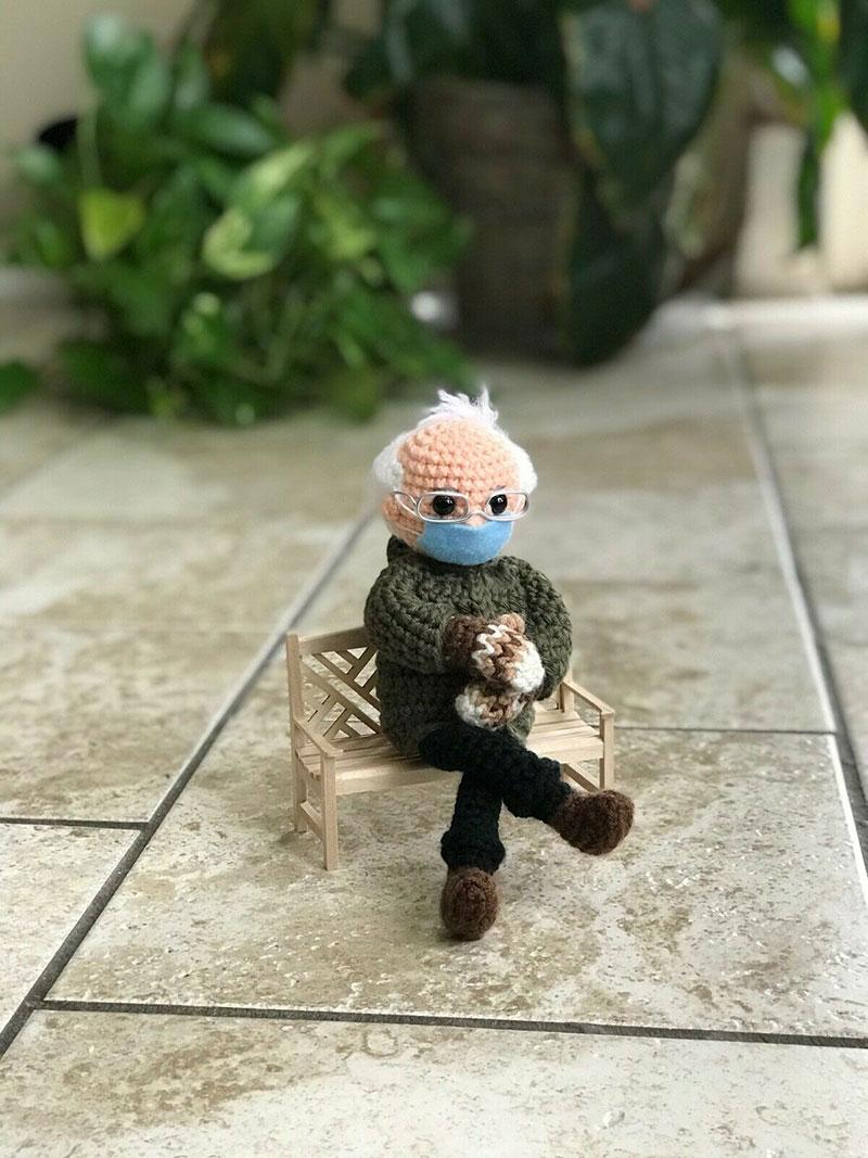 Вязаная кукла Берни Сандерса