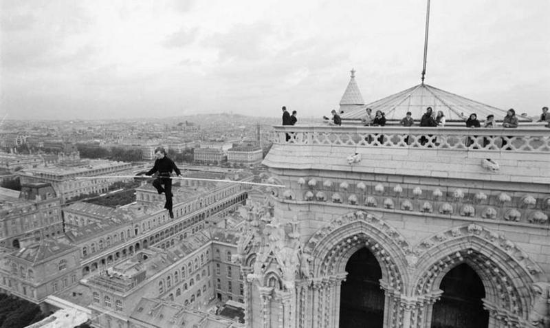 Воздушный гимнаст Филипп Пети и егу умопомрачительные трюки